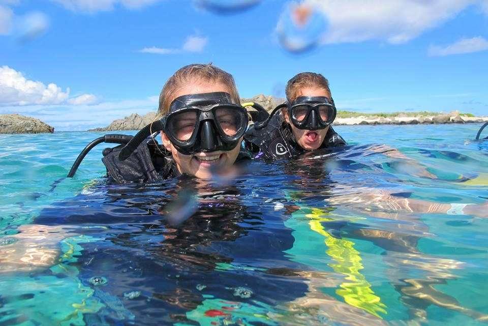 caribbean multihulls scuba diving in st martin. Black Bedroom Furniture Sets. Home Design Ideas